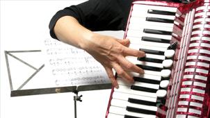 cvartet_de_coarde_cu_solist_acordeonist
